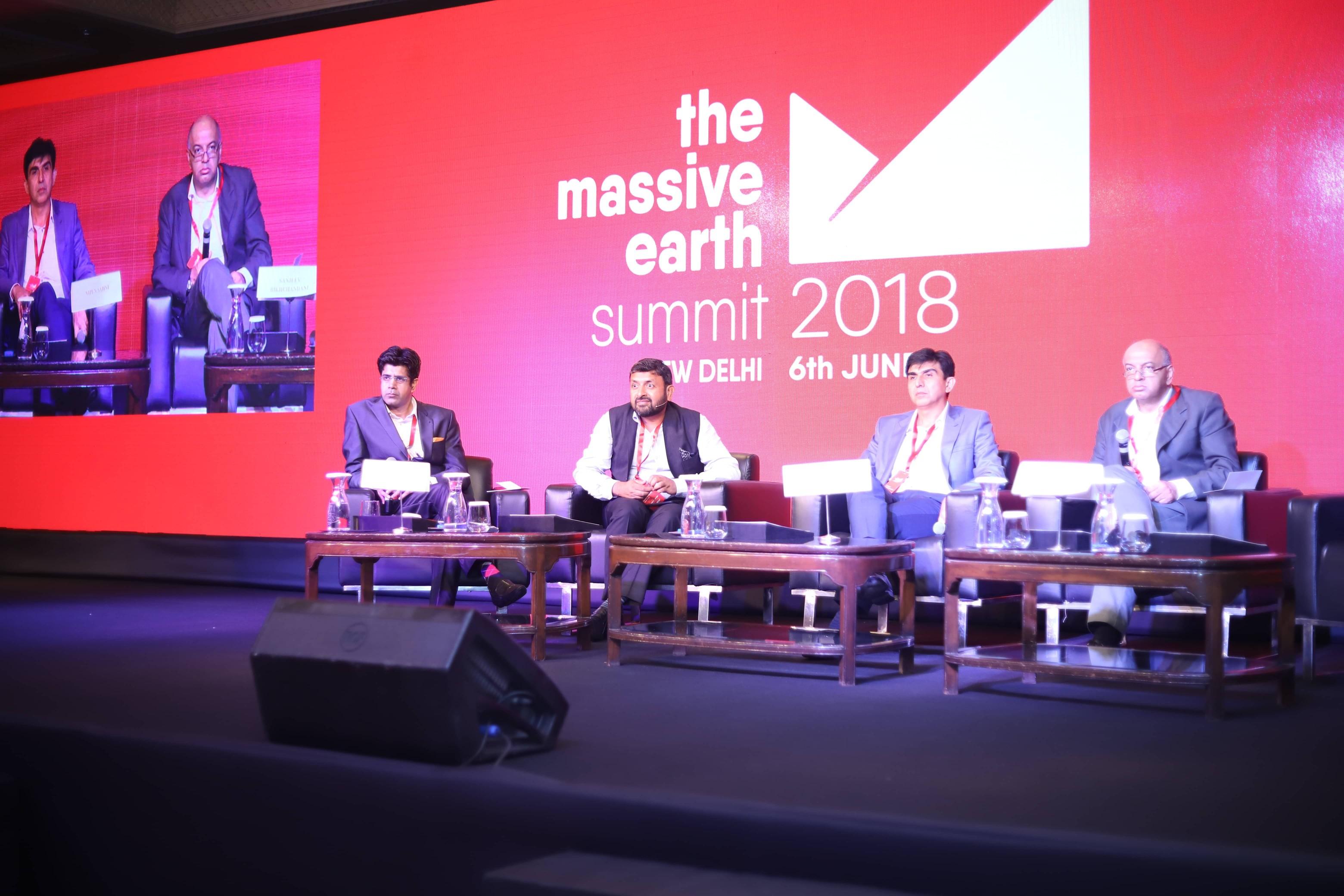 Shailesh Vickram Singh with Animesh Srivastava, Nipun Sahni and Sanjeev Bikhchandani at Massive Earth Summit