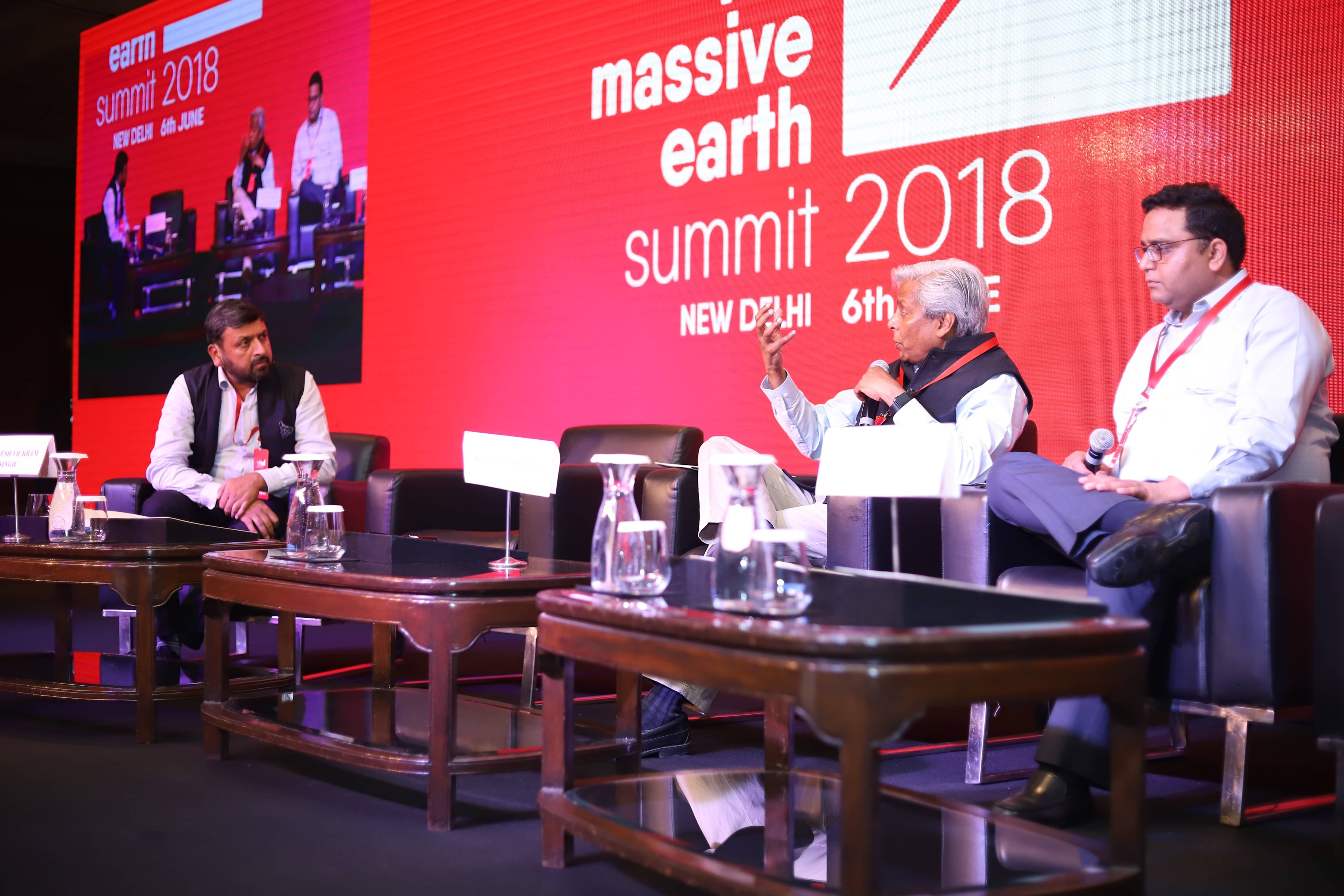 Shailesh Vickram Singh with Vijay Shekhar Sharma and K. Vijayraghvan at Massive Earth Summit